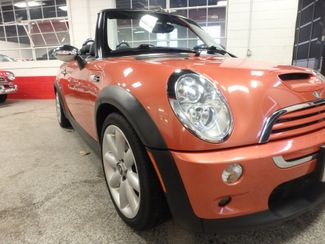 2006 Mini Convertible S! LOW MILE GEM,  CUSTOM FACTORY INTERIOR Saint Louis Park, MN 19
