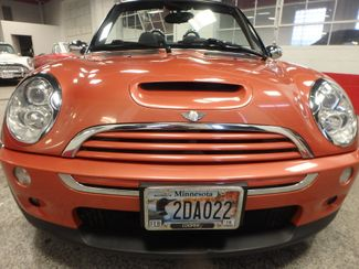 2006 Mini Convertible S! LOW MILE GEM,  CUSTOM FACTORY INTERIOR Saint Louis Park, MN 20