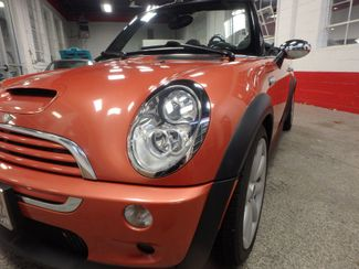 2006 Mini Convertible S! LOW MILE GEM,  CUSTOM FACTORY INTERIOR Saint Louis Park, MN 21