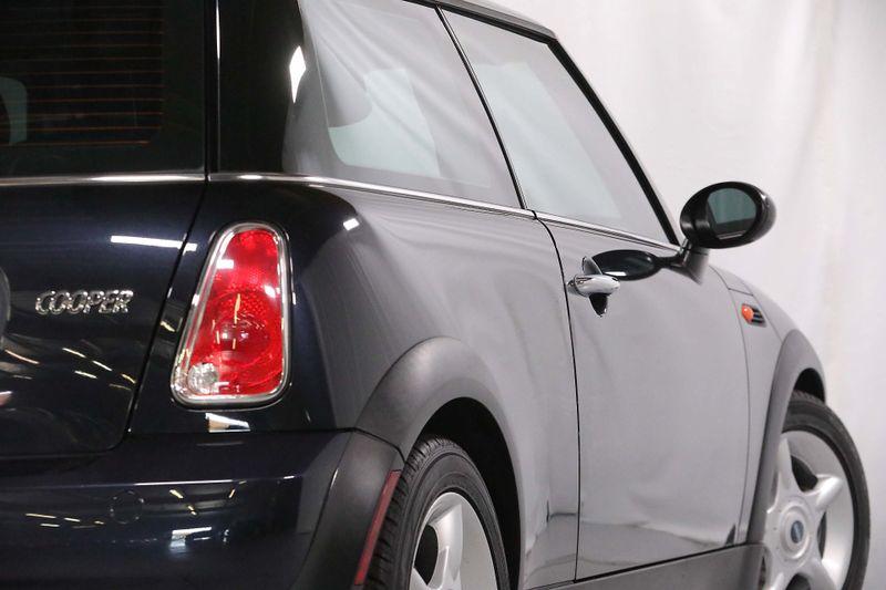 2006 Mini Hardtop - Manual - Only 56K miles  city California  MDK International  in Los Angeles, California