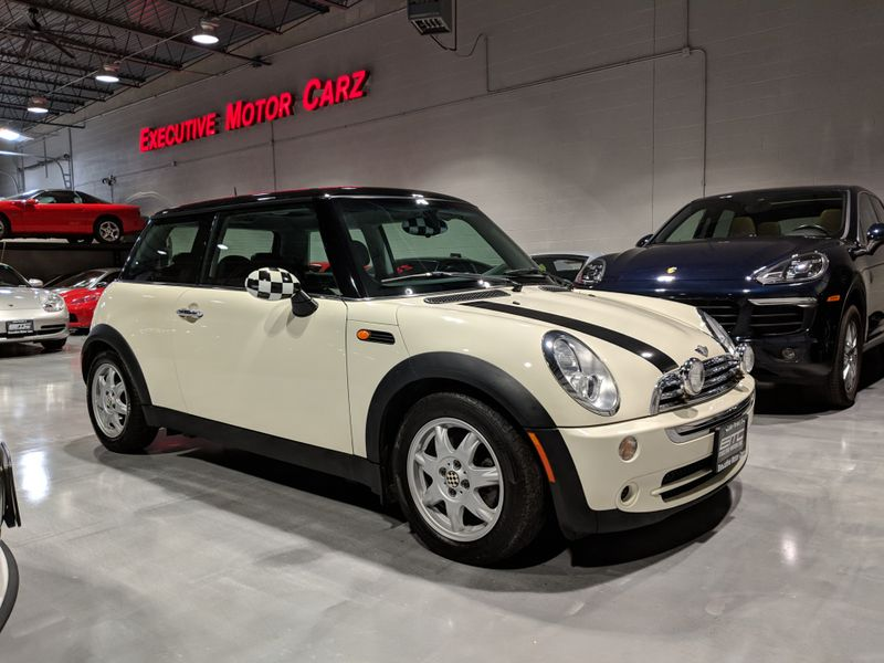2006 Mini Hardtop COUPE  Lake Forest IL  Executive Motor Carz  in Lake Forest, IL
