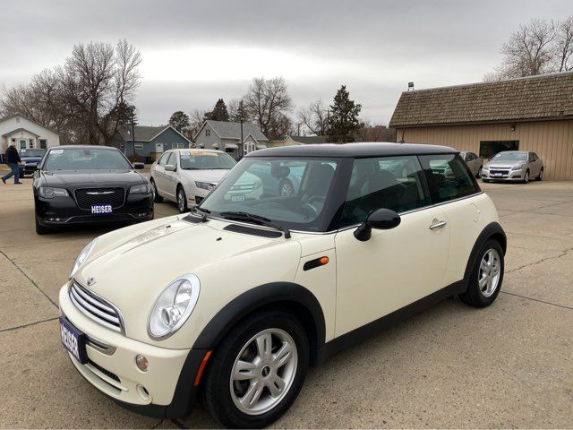 2006 Mini Hardtop ONLY 61,000 Miles in Dickinson, ND 58601