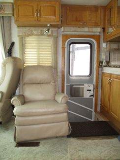 2006 Newmar Kountry Star   city Florida  RV World of Hudson Inc  in Hudson, Florida