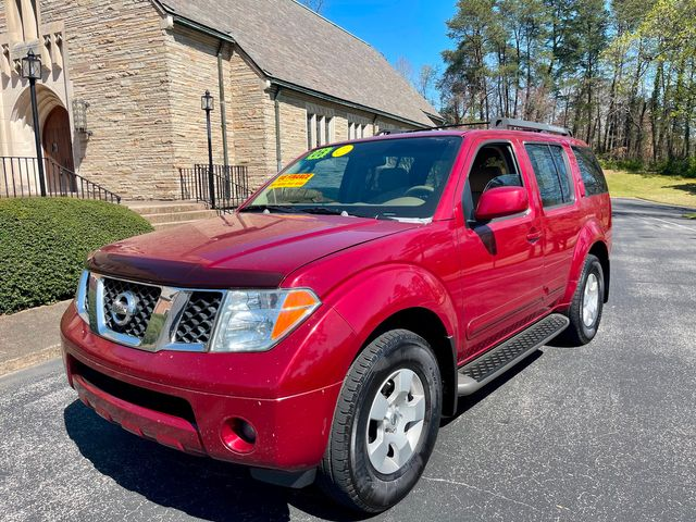 2006 Nissan Pathfinder SE in Knoxville, Tennessee 37920
