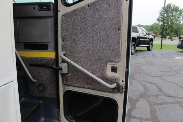 2006 Other BLUE BIRD EXPRESS 4000 BUS 45 Passenger Mooresville , NC 15