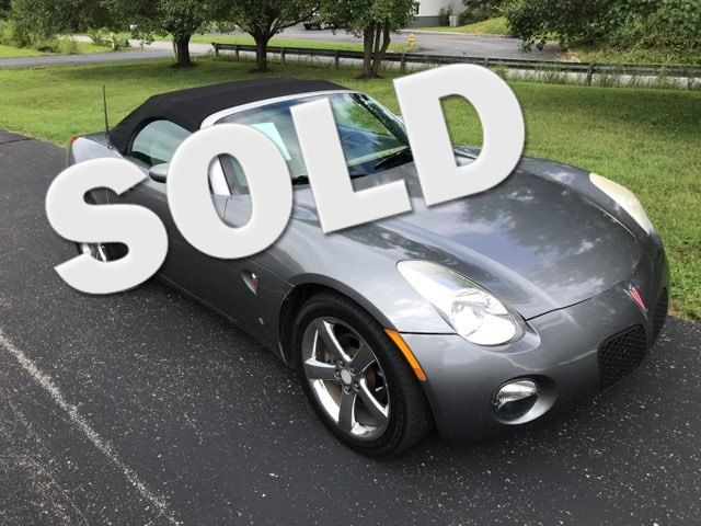 2006 Pontiac-Mint!! Great Gas Mpg! Solstice-CONVERTIBLE!!  BUY HERE PAY HERE! Knoxville, Tennessee