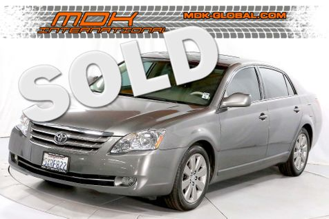 2006 Toyota Avalon XLS - Leather seats - only 64K miles in Los Angeles