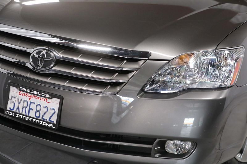 2006 Toyota Avalon XLS - Leather seats - only 64K miles  city California  MDK International  in Los Angeles, California