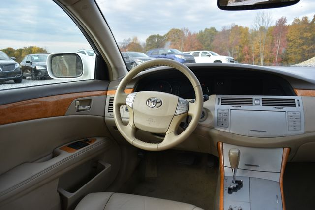 2006 Toyota Avalon XLS Naugatuck, Connecticut 14