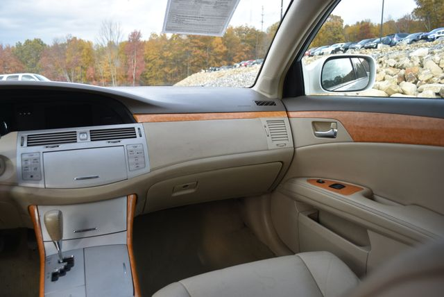 2006 Toyota Avalon XLS Naugatuck, Connecticut 15