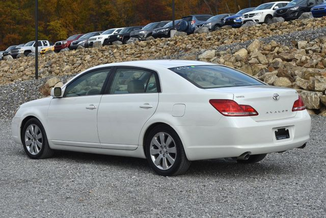 2006 Toyota Avalon XLS Naugatuck, Connecticut 2