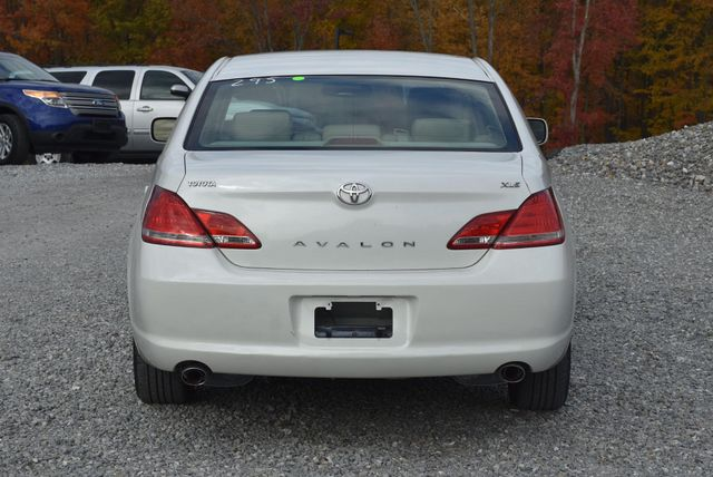 2006 Toyota Avalon XLS Naugatuck, Connecticut 3