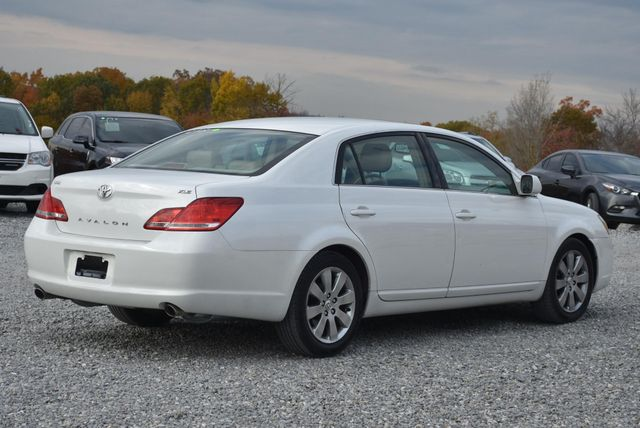 2006 Toyota Avalon XLS Naugatuck, Connecticut 4