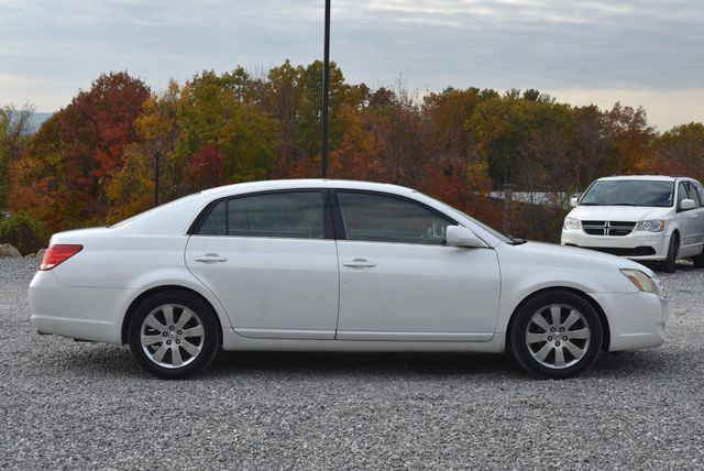 2006 Toyota Avalon XLS Naugatuck, Connecticut 5