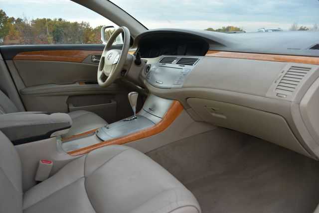 2006 Toyota Avalon XLS Naugatuck, Connecticut 8