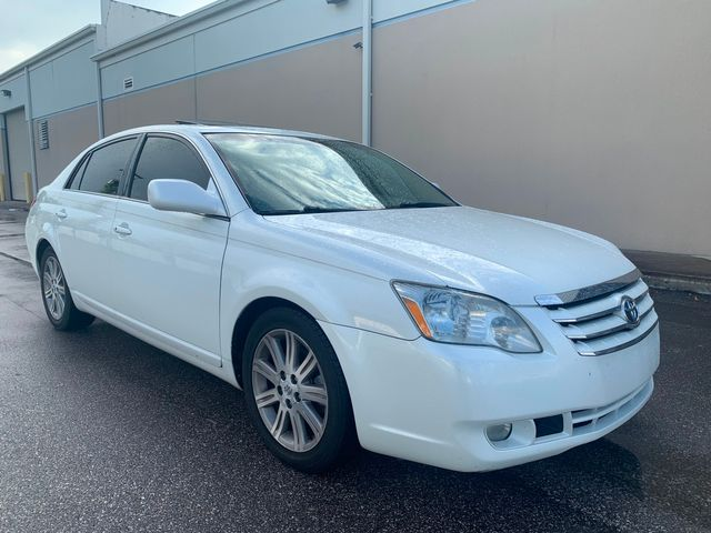 2006 Toyota Avalon Limited in Tampa, FL 33624