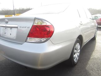 2006 Toyota Camry LE Batesville, Mississippi 11