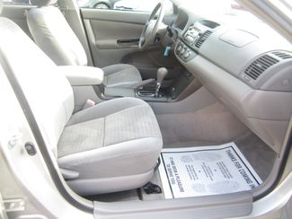 2006 Toyota Camry LE Batesville, Mississippi 32