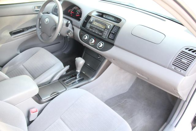 2006 Toyota Camry LE Santa Clarita, CA 9