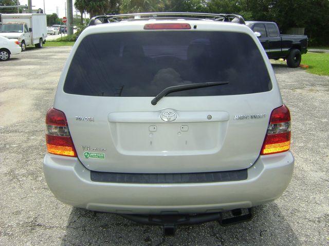 2006 Toyota Highlander Limited w/3rd Row in Fort Pierce, FL 34982