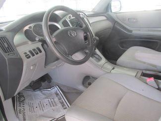 2006 Toyota Highlander w/3rd Row Gardena, California 4