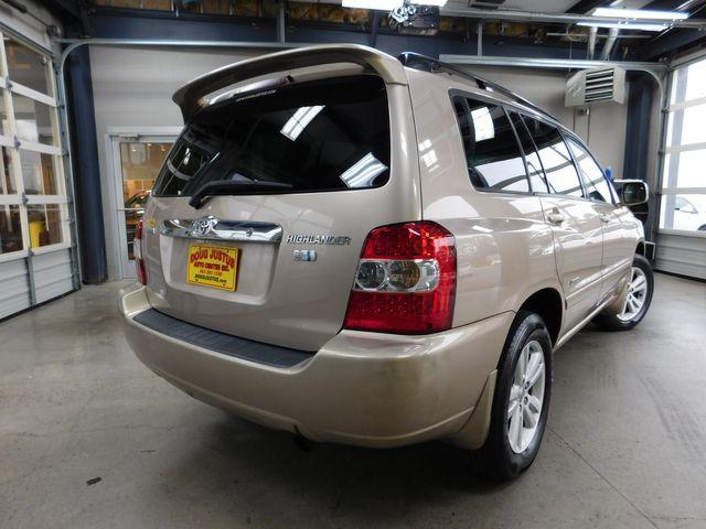 2006 Toyota Highlander Hybrid in Airport Motor Mile ( Metro Knoxville ), TN 37777