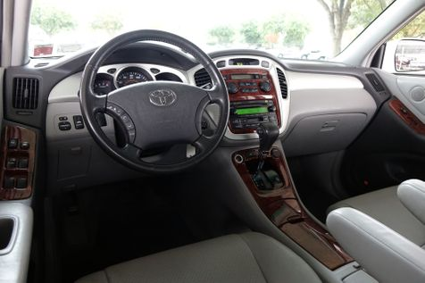 2006 Toyota Highlander w/3rd Row* 4WD* Limited* | Plano, TX | Carrick's Autos in Plano, TX