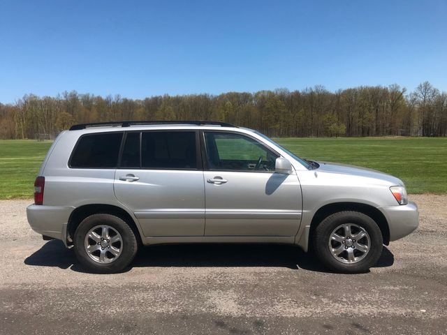 2006 Toyota Highlander w/3rd Row Ravenna, Ohio 4