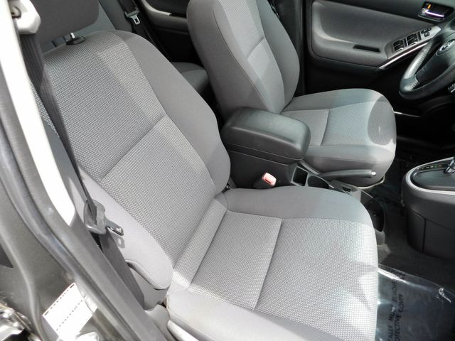 2006 Toyota Matrix XR in Nashville, Tennessee 37211