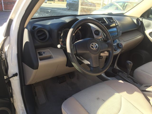 2006 Toyota RAV4 Base New Brunswick, New Jersey 12