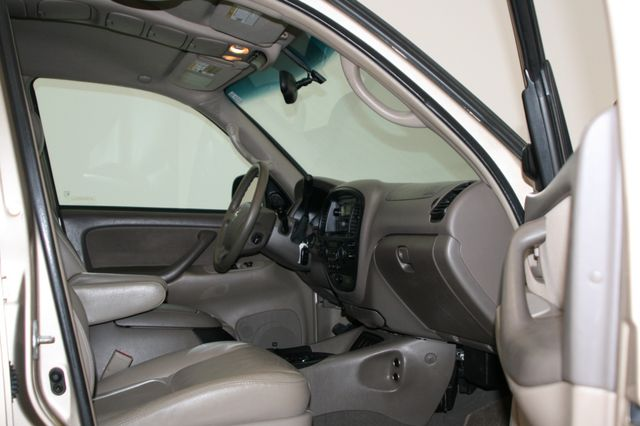 2006 Toyota Sequoia SR5 Houston, Texas 18