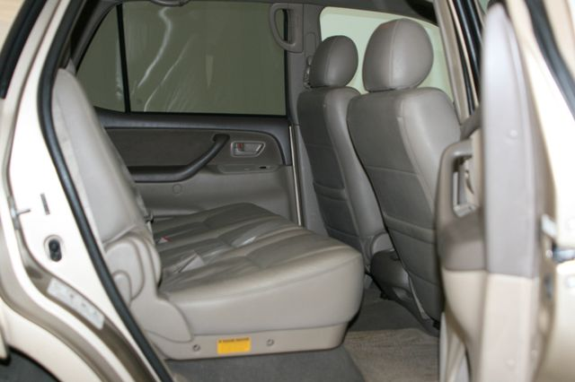 2006 Toyota Sequoia SR5 Houston, Texas 21