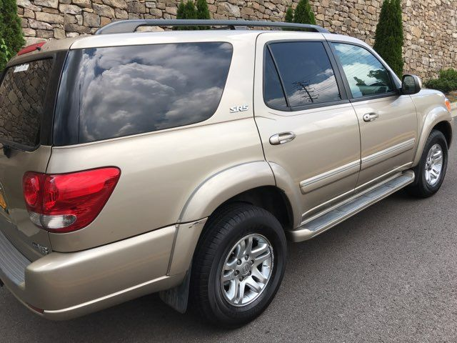 2006 Toyota Sequoia SR5 Knoxville, Tennessee 3