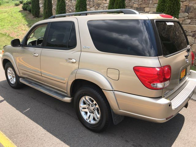 2006 Toyota Sequoia SR5 Knoxville, Tennessee 5