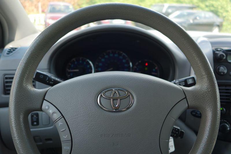 2006 Toyota Sienna LE  city MA  Beyond Motors  in Braintree, MA