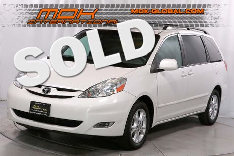 2006 Toyota Sienna XLE - Pkg 7 - DVD - Leather - Sunroof in Los Angeles