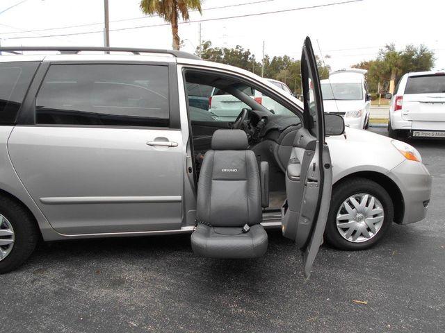 2006 Toyota Sienna Ce Wheelchair Van Pinellas Park, Florida 1