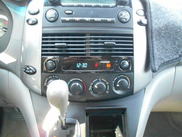 2006 Toyota Sienna Ce Wheelchair Van Pinellas Park, Florida 12