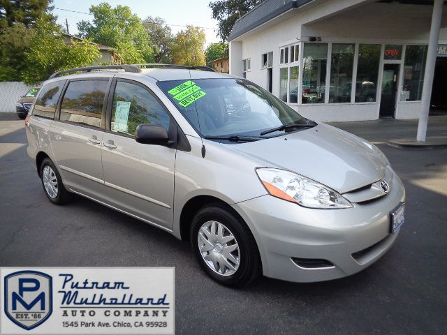 2006 Toyota Sienna LE in Chico, CA 95928