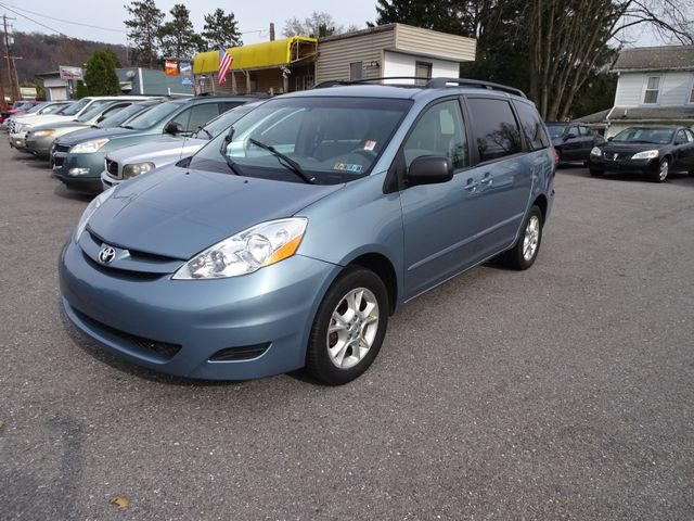 2006 Toyota Sienna LE in Lock Haven, PA 17745