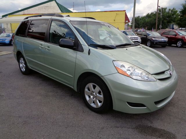 2006 Toyota Sienna LE in Nashville, Tennessee 37211