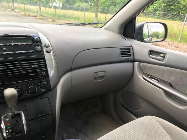 2006 Toyota Sienna CE Ravenna, Ohio 10