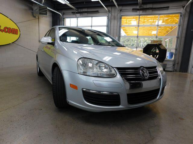 2006 Volkswagen Jetta 2.5L in Airport Motor Mile ( Metro Knoxville ), TN 37777