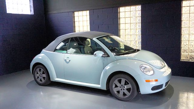 2006 Volkswagen New Beetle Bridgeville, Pennsylvania 3