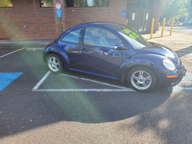 2006 Volkswagen New Beetle in Portland, OR 97230