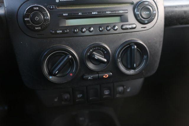 2006 Volkswagen New Beetle Santa Clarita, CA 21