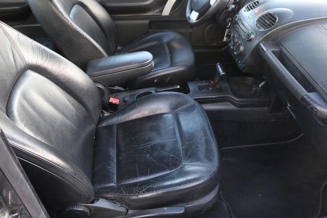 2006 Volkswagen New Beetle Santa Clarita, CA 15