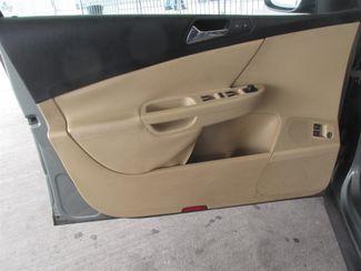 2006 Volkswagen Passat 2.0T Gardena, California 9