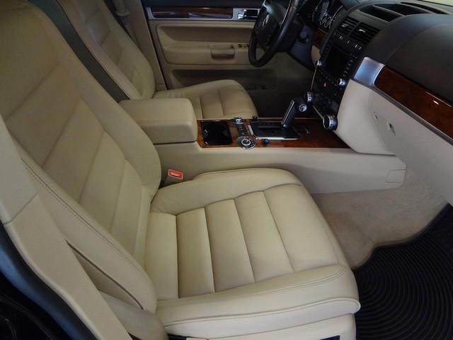 2006 Volkswagen Touareg 5.0L V10 Austin , Texas 21