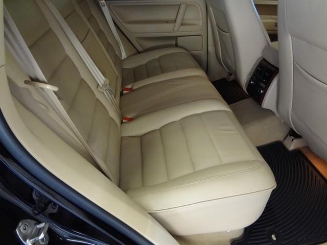 2006 Volkswagen Touareg 5.0L V10 Austin , Texas 23